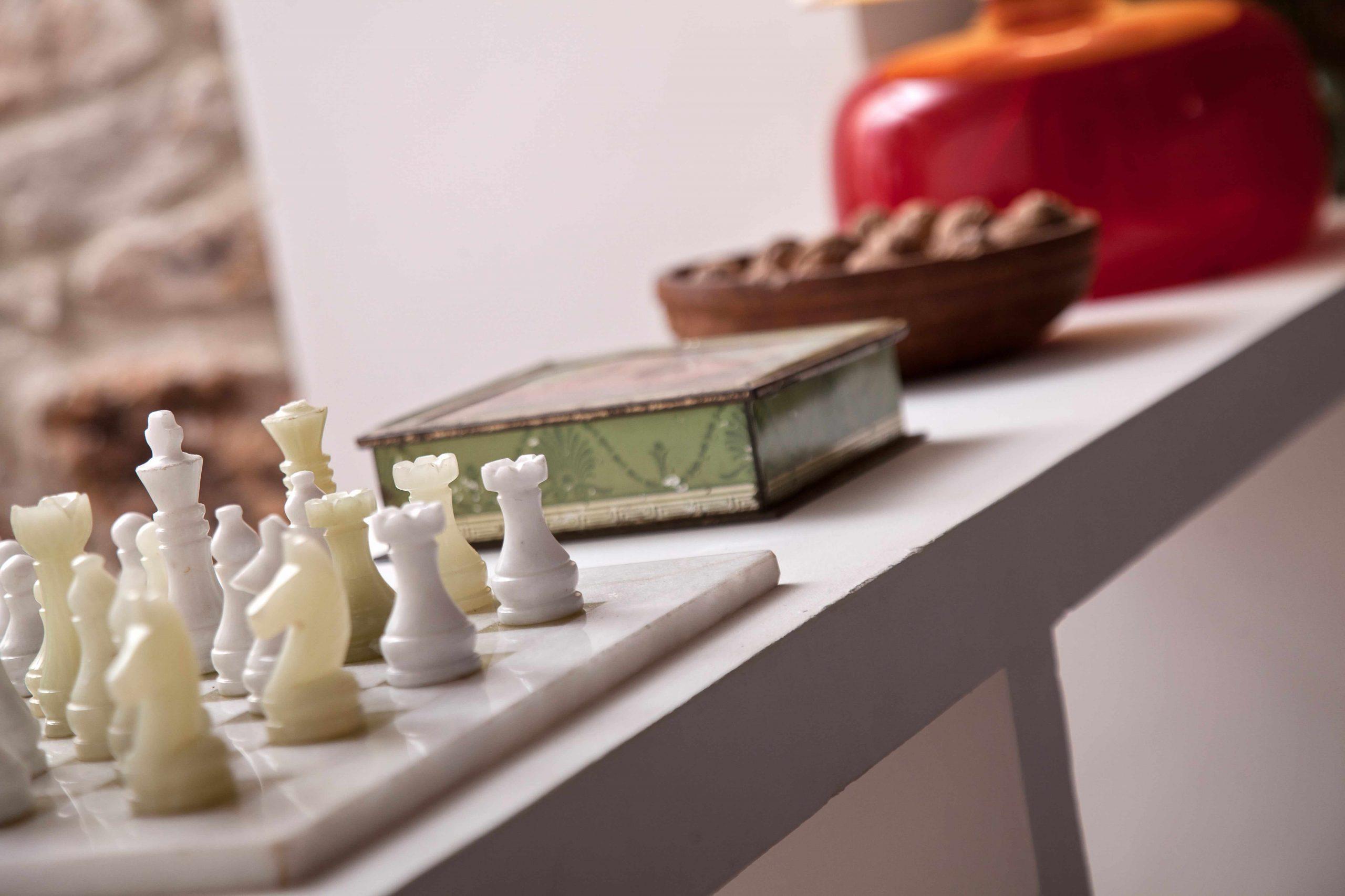 Casa rural La Rinconada en Azuelo Navarra Detalle ajedrez decoración
